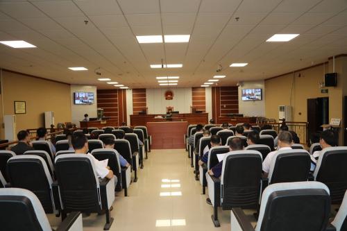 6月1日,五华法院组织开展旁听职务犯罪案件庭审活动