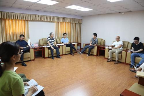 五华法院党组成员、副院长张智雄率队到华城法庭督导长期未结案件清理工作